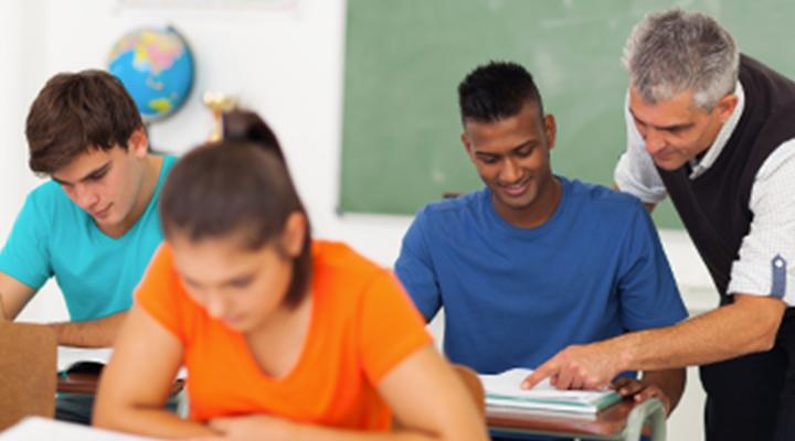 Educacional por Perda de Renda